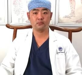 Врач высшей категории китайской медицины Лю Инань (Лев)